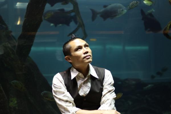 Rik in aquarium-600
