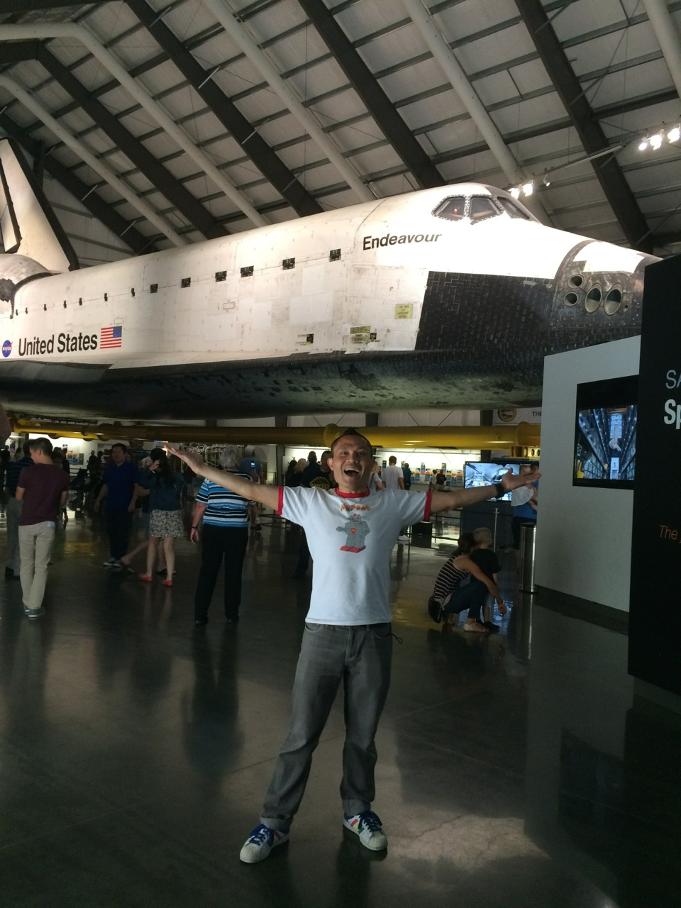 Giant Space Shuttle is Giant